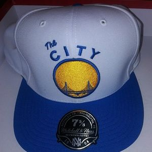 The city Fitted Hat